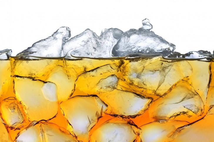 ウイスキーの水割りをおいしくする水