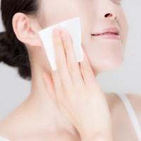 ミネラルウォーターが化粧水替りに使える!正しいスキンケア法