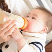 「赤ちゃんミルク」に適した水の種類と、ウォーターサーバー導入のメリット